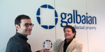 Felix Kerejeta, Senior Technology Manager in Copreci, receives the 'Best inventor' award of the year.